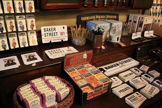 Sherlock Holmes Museum, 221B Baker Street, London - kuva: Sherlock ...