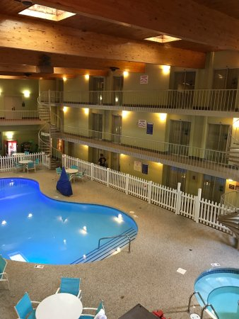 Ramada by Wyndham Marquette: photo1.jpg