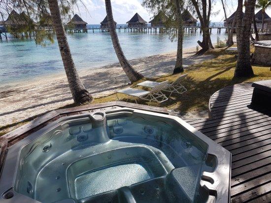 Terrasse Du Bungalow Avec Jacuzzi Picture Of Hotel Kia Ora Resort