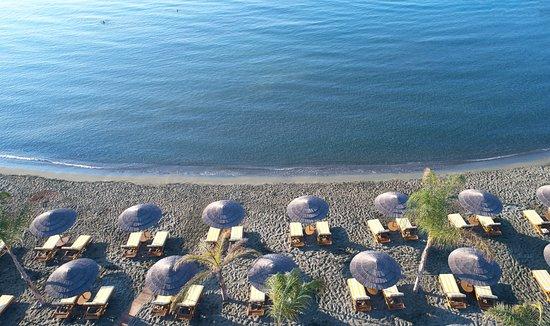 Four Seasons Hotel Beach