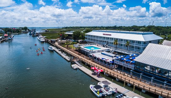 Shem Creek Inn Photo