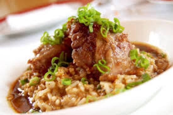 Decatur, GA: 3 Smothered Pork Chops, Rice w/Gravy, Green Beans & Drink