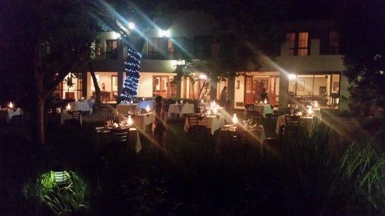 Budmarsh Country Lodge: Dinner under the stars