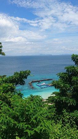 Maiton Island Resort: Пирс