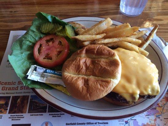 Bryce Canyon Pines: cheeseburger