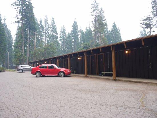 Diamond Lake, OR: L'accès sur l'arrière pour les chambres à l'étage