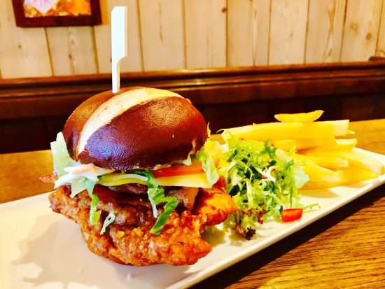 ‪‪Southam‬, UK: 'The Hopper'- our southern fried chicken burger‬