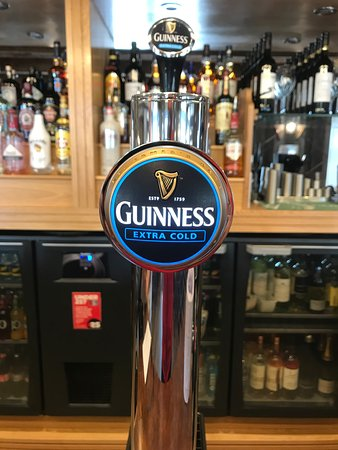 ‪‪Southam‬, UK: We now have Guinness on tap! Pint of the 'black stuff' please!‬