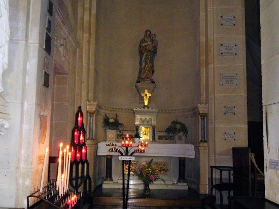 Saint-Gilles-Croix-de-Vie, France: autel de la vierge