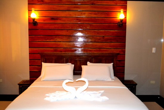 Dumaluan Beach Resort 2: my deluxe room booking