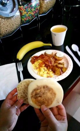 Hampton Inn Helen: Join us for a good night's rest, and stay for a great complimentary breakfast!