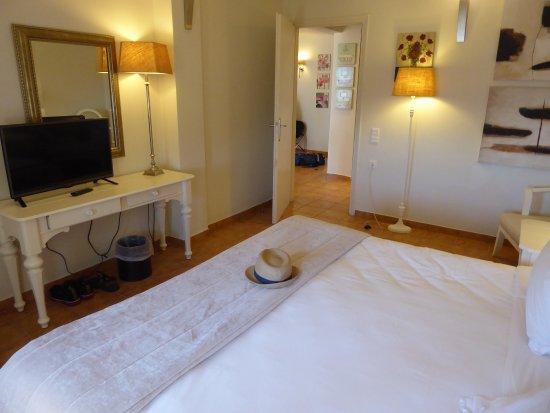 Aegean Suites: The bedroom of suite 103