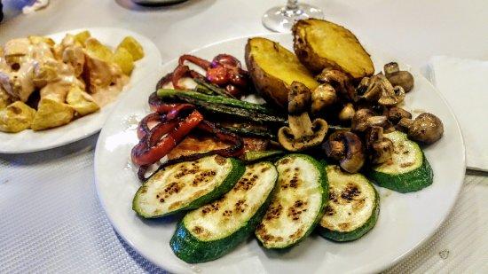 Parrillada de verduras picture of la cala barcelona for Parrillada verduras