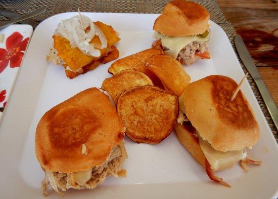 Qubano Restaurant: Mini-sandwich Sampler