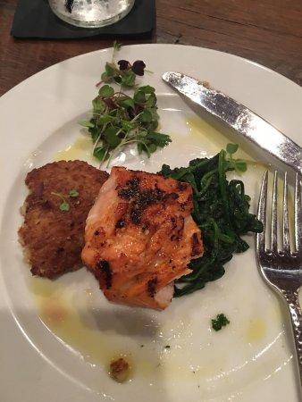 Leesburg, FL: Honey Glazed Salmon (lunch special) for $13.00