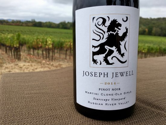 Forestville, Califórnia: This is just one of the extraordinary Pinot Noir wines made by Joseph Jewell Wines.