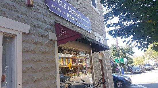 Frenchtown, NJ : Cycle Corner