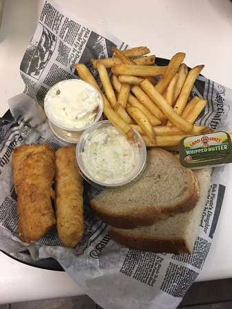 Statz Ale House & Grill: Fish Fry!!