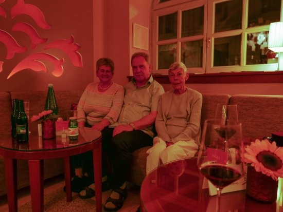 Hotel Das Tigra: Our friends from Hamburg at the bar