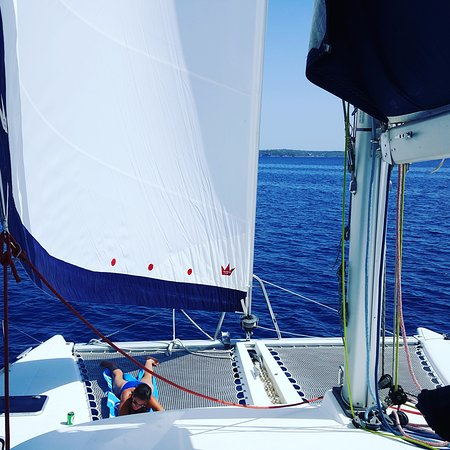 YachtSailing.gr / Charter Sailing Greece: Relaxing on the nets