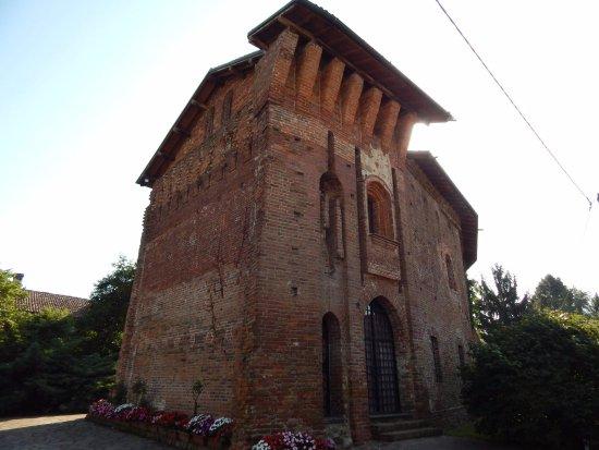 Zerbolò, Włochy: Una sola torre  , sicuramente  c'era il ponte levatoio sec. XIV - sec. XV
