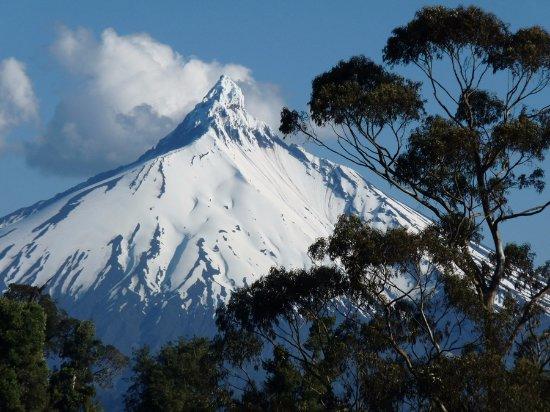 """Frutillar, Chile: Volcano """"Puntiagudo"""" - Puyehue route"""