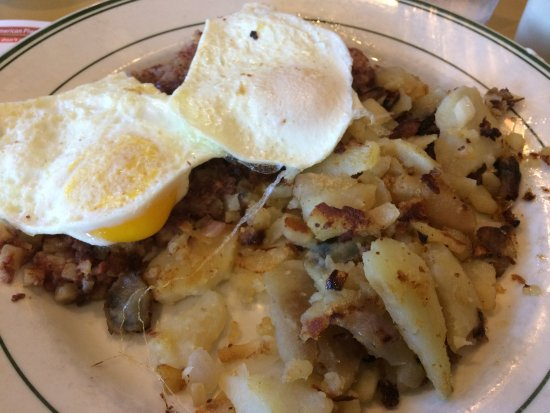 OB Diner: eggs over corned beef hash
