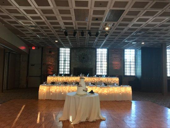 Aurora, IL: Table Lighting / Up Lighting