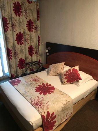 Hotel du baou : Une chambre