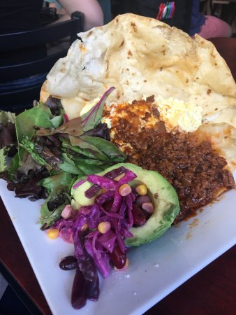 Fig Bistro: The Farmer (huevos rancheros)