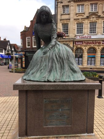 Nuneaton, UK: Statue of writer George Eliot