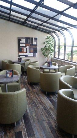 Panini Restaurant Atrium Picture Of Holiday Inn Santa Ana