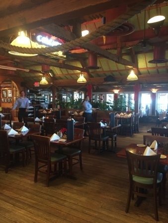 Jensen Beach, Флорида: Inside dining area.