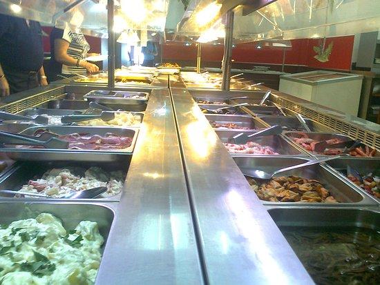 Almaden, Spania: parte del buffet