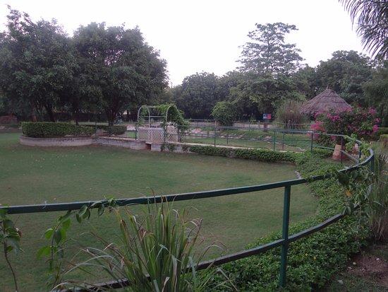 Trident, Agra: jogging track
