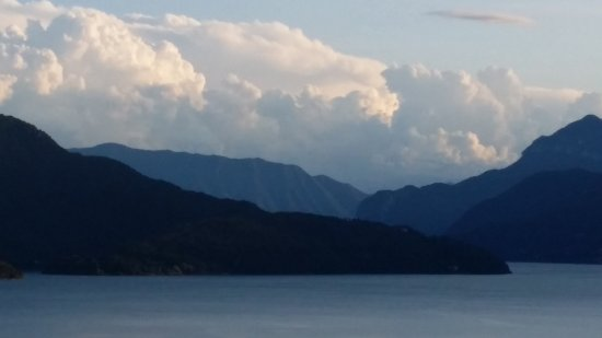 Trezzone, Italy: Looking south