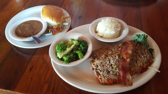Miller's Seawall Grill: Meatloaf entree for me, with two sides and a dinner roll
