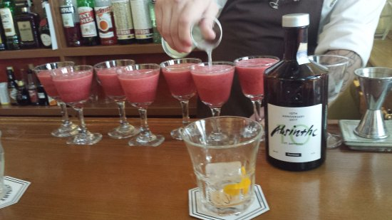 Prague Food Tour: Try some Absinthe!