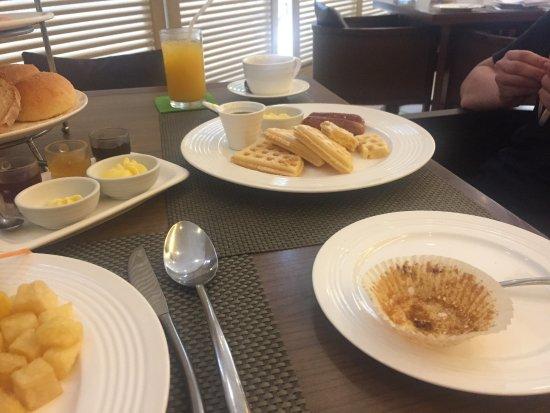 Asya Premier Suites: 朝食