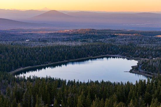 Bend, OR: Three Creeks Lake