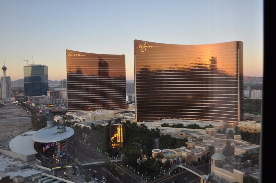 Encore At Wynn  Las Vegas: Centrally located to superior shopping venues.
