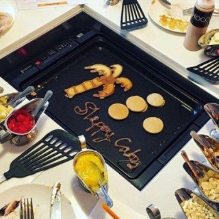 Retro39: D-I-Y Pancakes || Create Your Own Pancakes ||