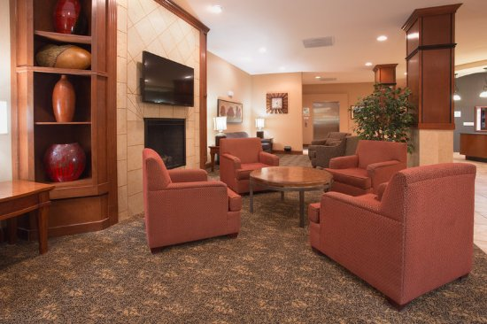 Holiday Inn Hotel & Suites Trinidad: Hotel Lobby