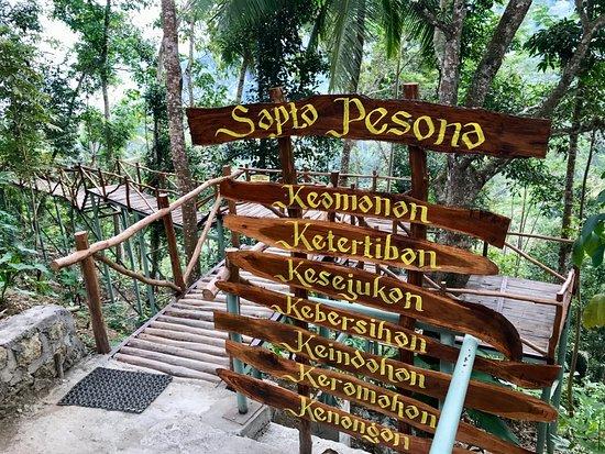 Kulon Progo, Indonezja: gerbang pertama setelah bayar tiket