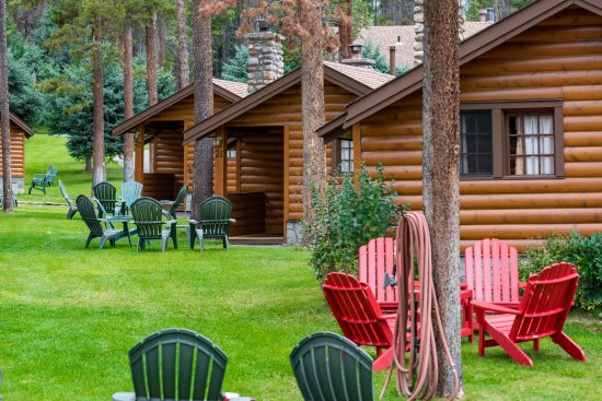Beckeru0027s Roaring River Chalets: 2 Bedroom Cabins