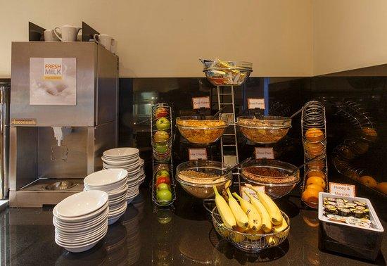 Antrim, UK: Breakfast Area