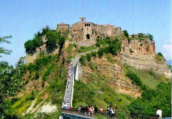 Civita\' di Bagnoreggio in Viterbo near Rome - Picture of Civita di ...
