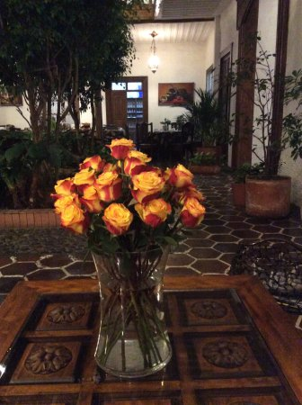 Hotel Inca Real: Nice lobby and reception area, dining for breakfast