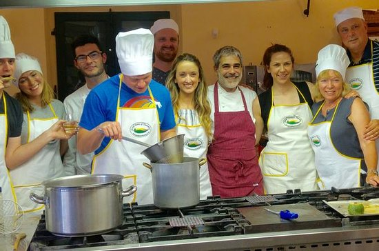 Small group Tuscan cooking class in a...