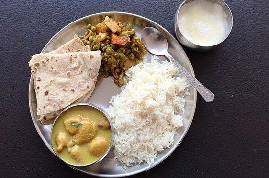 Varanasi: Home Cooking Food Tour